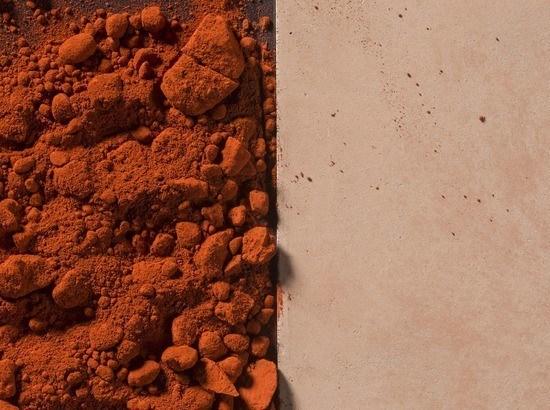 Gekleurd beton rood